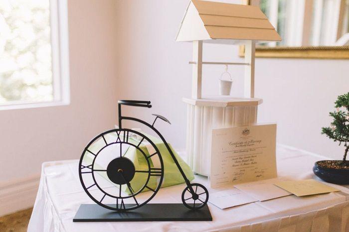 Wising well Wedding decorations | itakeyou.co.uk #weddingdetails
