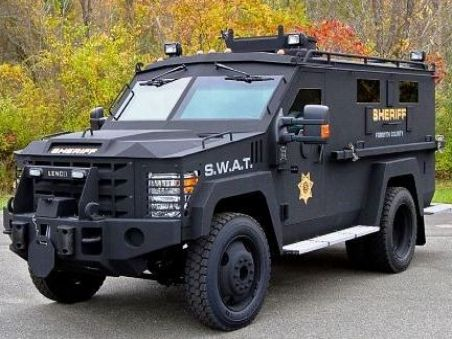 Bearcat Swat Truck Defense With Images Police Truck Armored