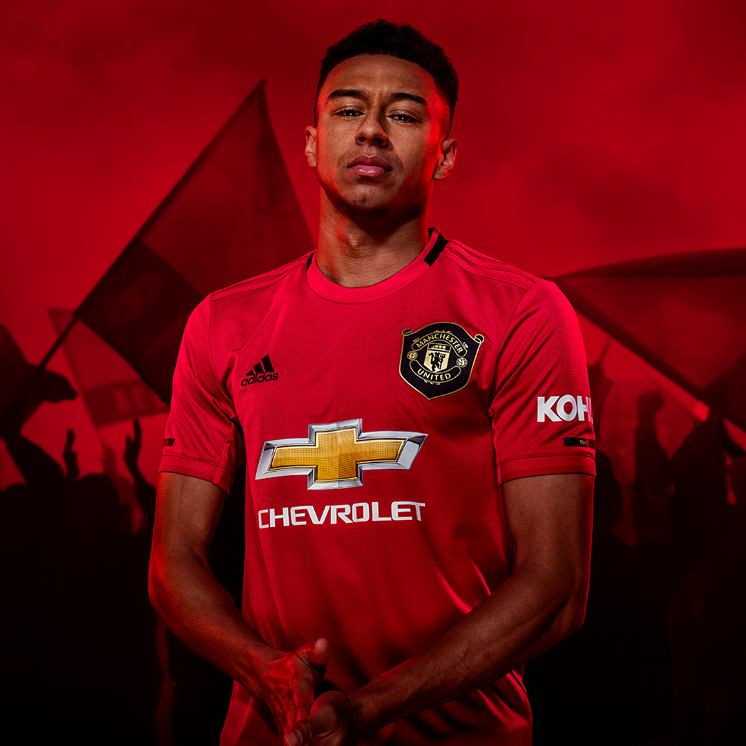 Commemorating A Unique Achievement Manchester United Home Kit Manchester United Man United Kit
