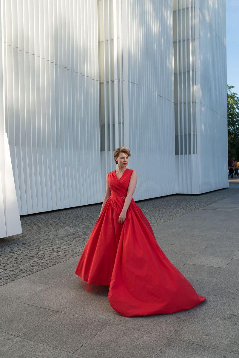 kostenloses Schnittmuster zum Download: rotes Abendkleid | Mode ...