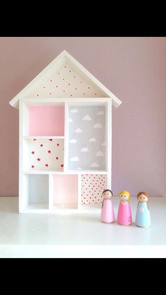Una Mano Hermosa Pintada Casa De Muñecas Para La Decoración O El Juego La Casa De Muñecas Muebles Para Muñecas Muebles De Casa De Muñecas Muebles Para Niños