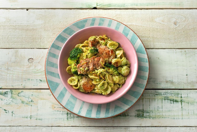 Blue apron broccoli - Broccoli Pesto Orecchiette With Herby Chicken And Fresh Mozzarella