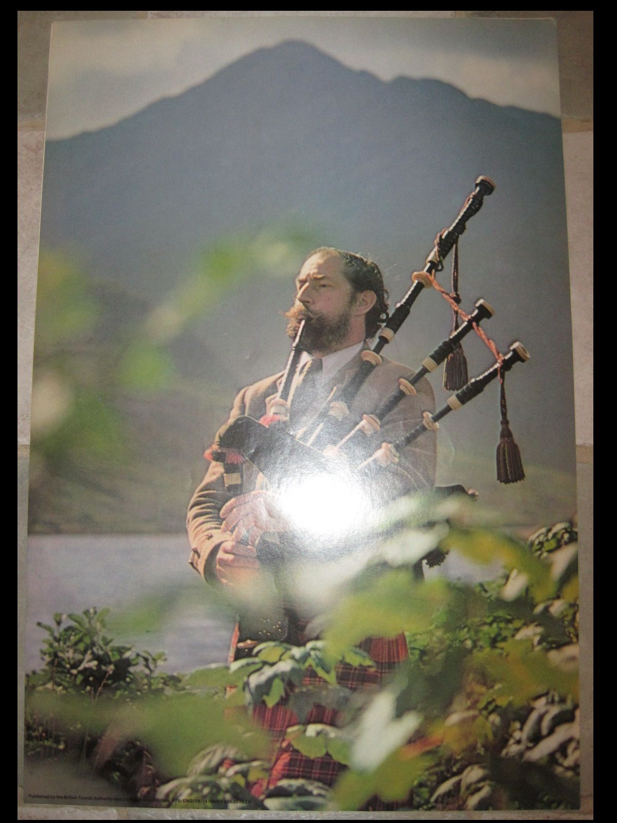 Image detail for -VINTAGE SCOTTISH TRAVEL POSTER Bagpiper SCOTLAND HIGHLANDS KILTS 1978 ...
