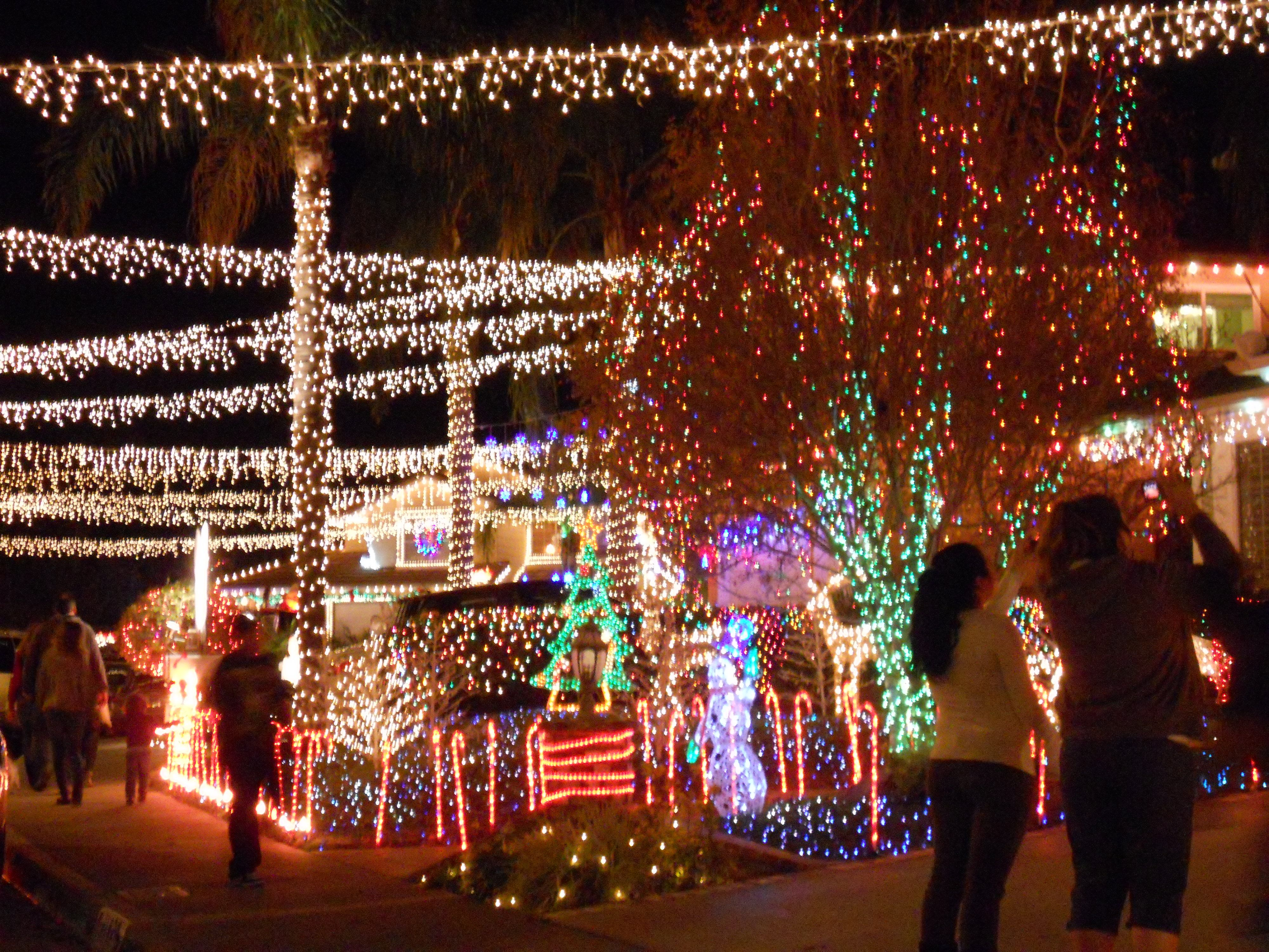 its almost that time of year in santa clarita when the neighborhood light displays go up candy cane lane at wakefield ct is one of the