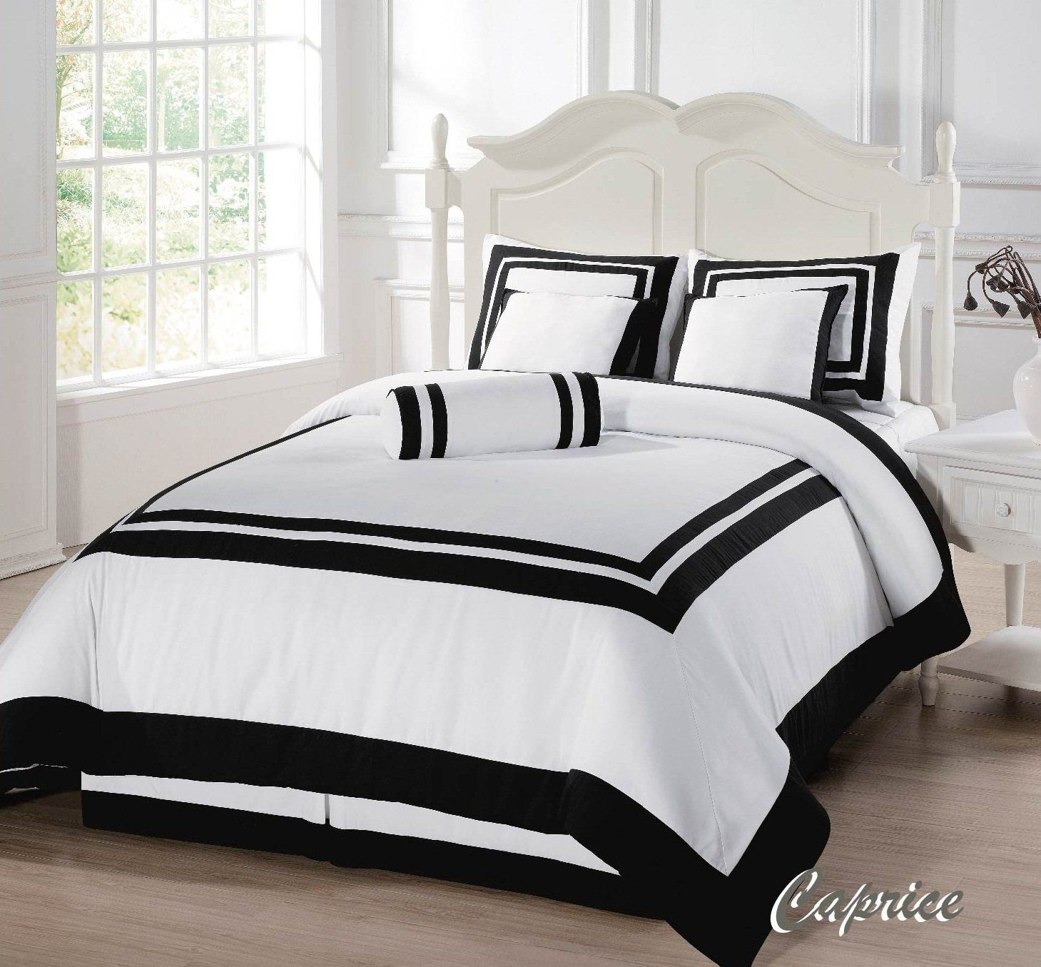 Amazon White with Black Square Hotel Duvet Cover 7 Piece