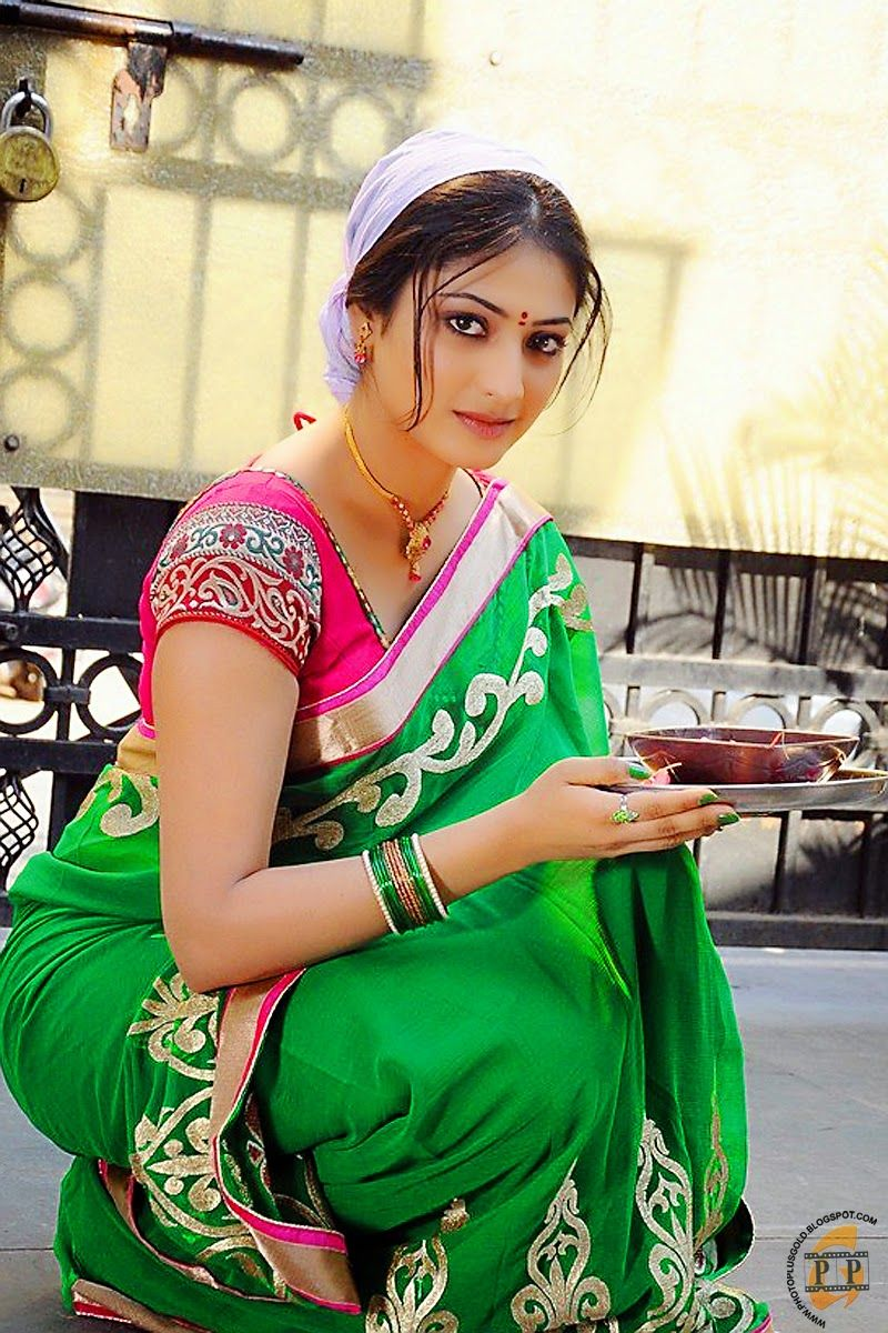 Cute South Indian Actress In The Morning Time Tamil -4046