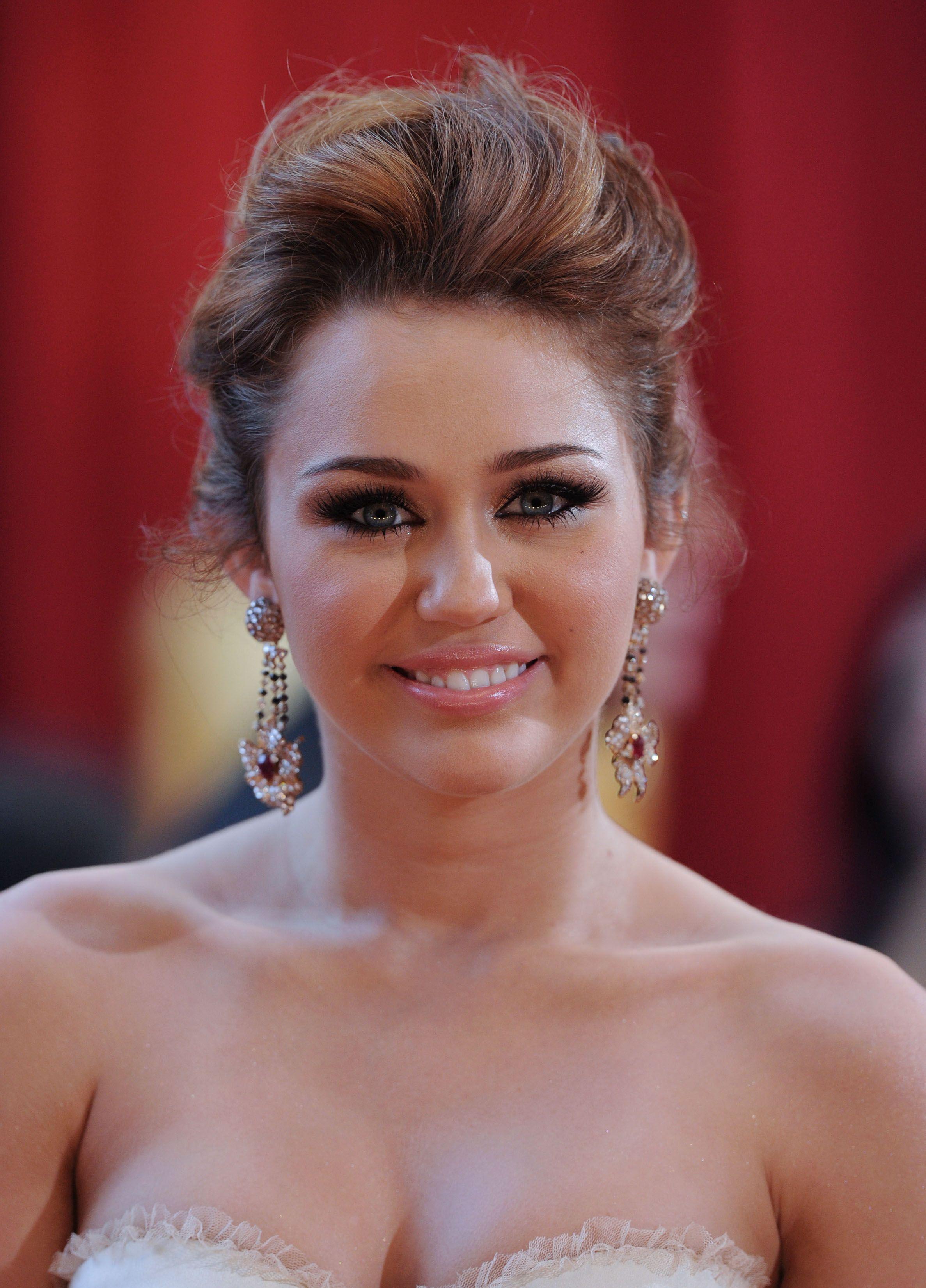 Vettri Miley Cyrus 82nd Annual Academy Awards Oscars 2010