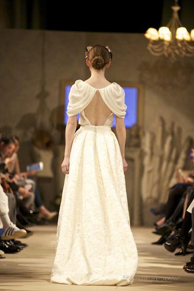 vestido de novia en pasarela bodabook   taller   pinterest   novios
