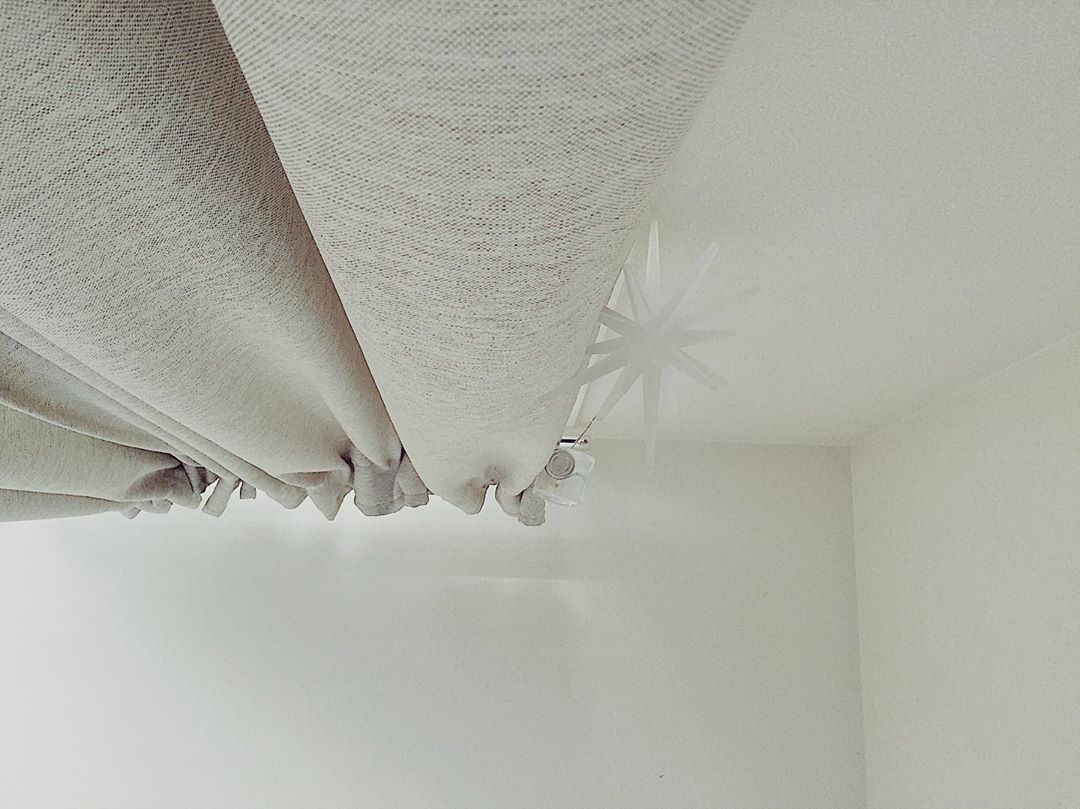 ベットから見た天井 おうちにいて多分この景色を見る事が一番多い場合