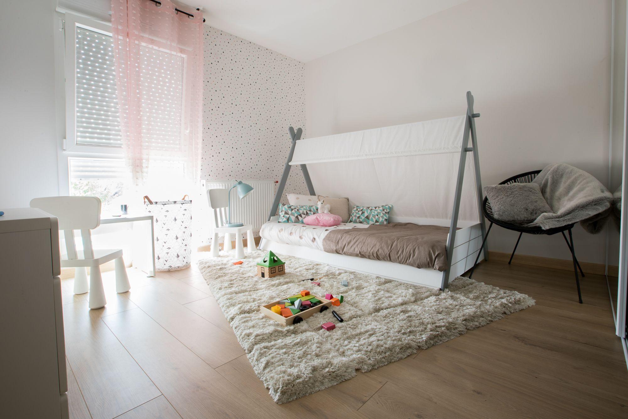 La Chambre Enfant Du Duplex Jardin Temoin Pres De Strasbourg Avec Son Lit Cabane Et Une Ambiance Cosy Et Pleine De Douceur Chambre Enfant Maison Maisons Neuves