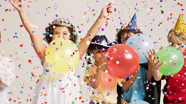 aniversario crianca confeti - Pesquisa Google