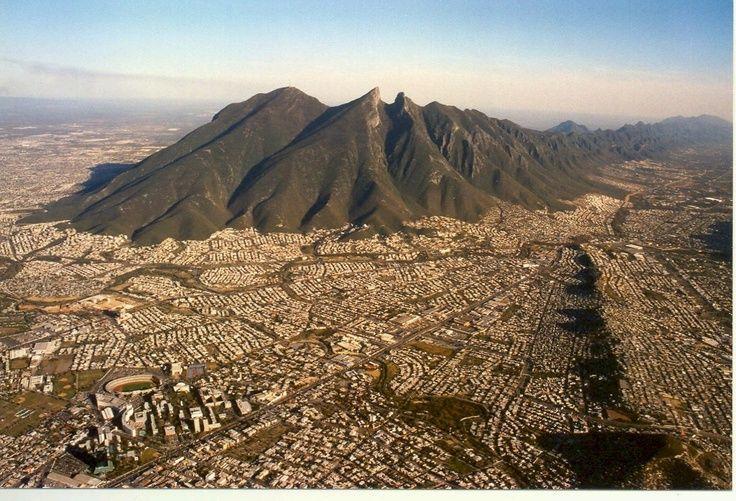 Monterrey ejemplo de transformación en seguridad: The Economist en http://www.vox.com.mx/2013/06/monterrey-ejemplo-de-transformacion-en-seguridad-the-economist/