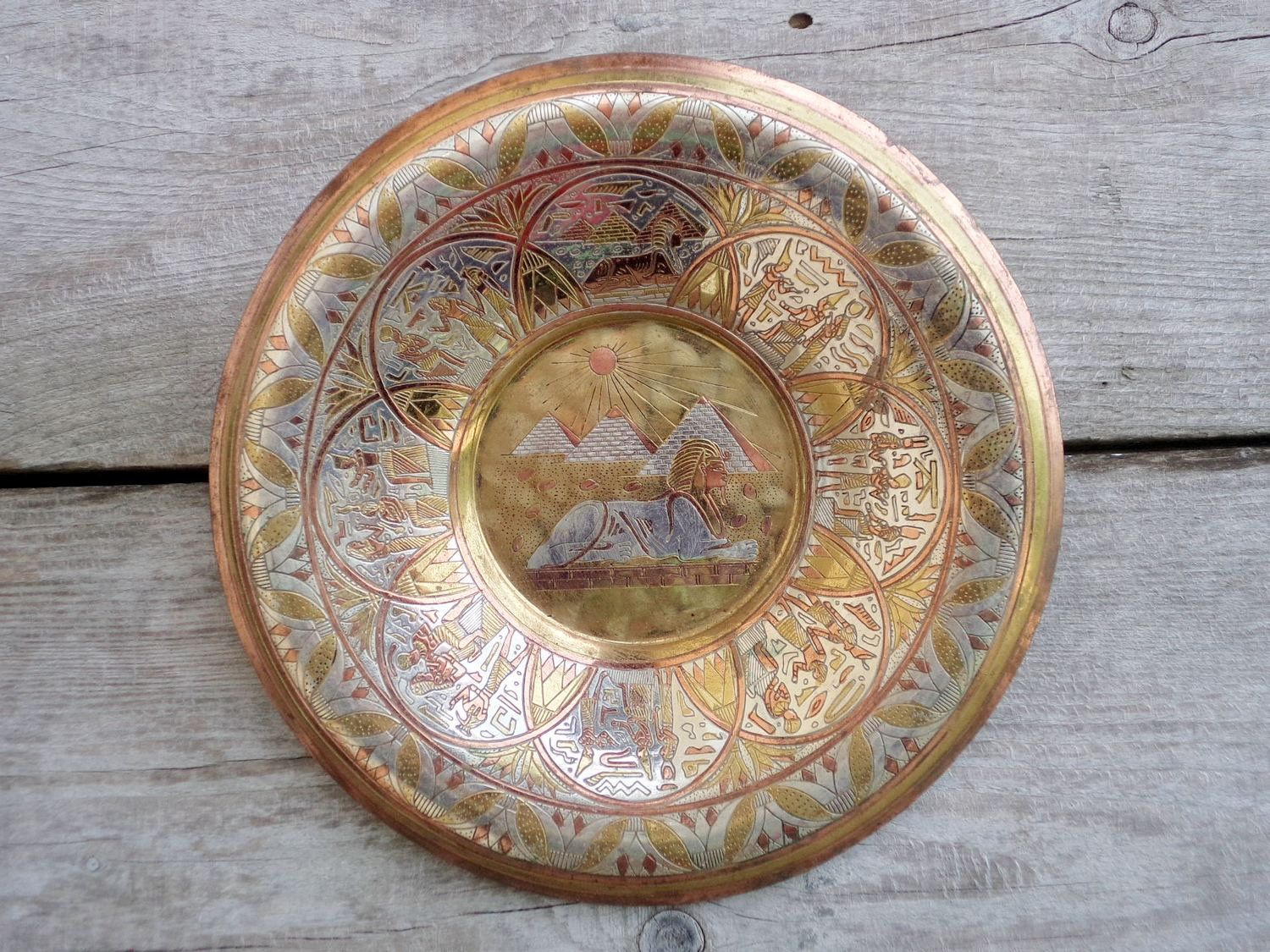 Egyptian Pyramids And Sphinx Wall Hanging Plate Vintage Hand Etsy Egyptian Pyramids Wall Hanging Pyramids