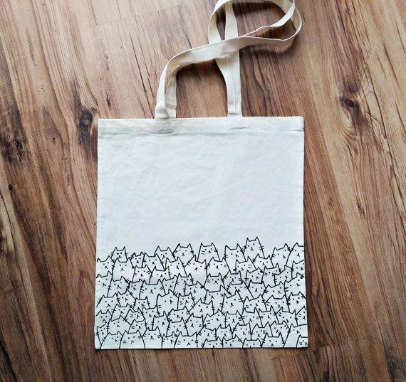 Photo of Katze Dame, TOTE BAG, Katze Tasche, lustige Katzen, personalisierte Tasche, Geschenk für sie, von Hand bemalt, Einkaufstasche, Lebensmitteltasche, wiederverwendbare Tasche, umweltfreundlich