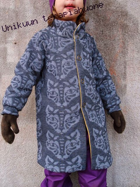 Reverse jaquard knit jacket whit fleece lining by Unikuun terapiahuone