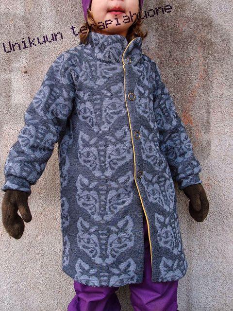 Reverse jaquard knit jacket whit fleece lining by Unikuun terapiahuone