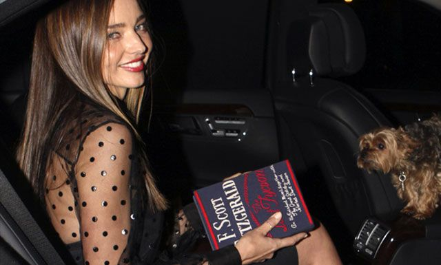 The Little hand-book, el clutch en forma de libro