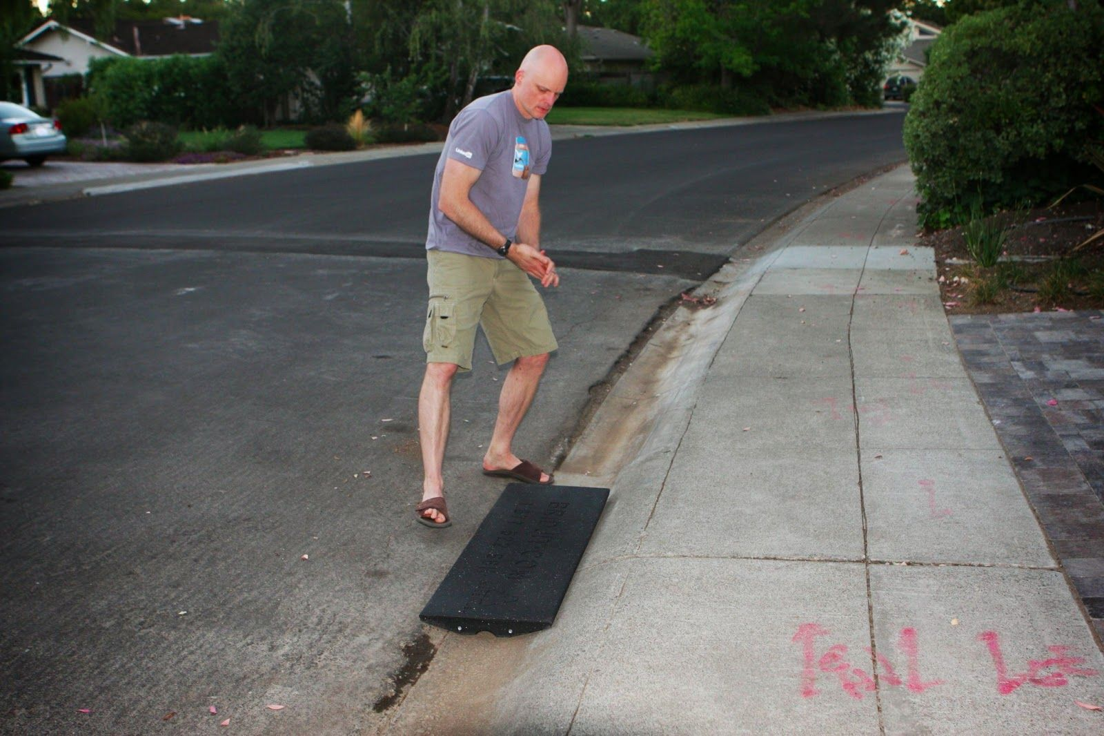 Homecrunch a quick and easy driveway apron thumbs up for the homecrunch a quick and easy driveway apron thumbs up for the rubber bridjit curb solutioingenieria Choice Image