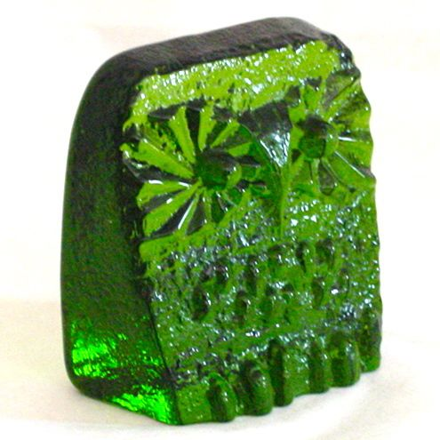 Blenko Art Glass Owl in Emerald Evergreen! Decorating in small spaces? This is a perfect choice... and looks amazing on any window sill!
