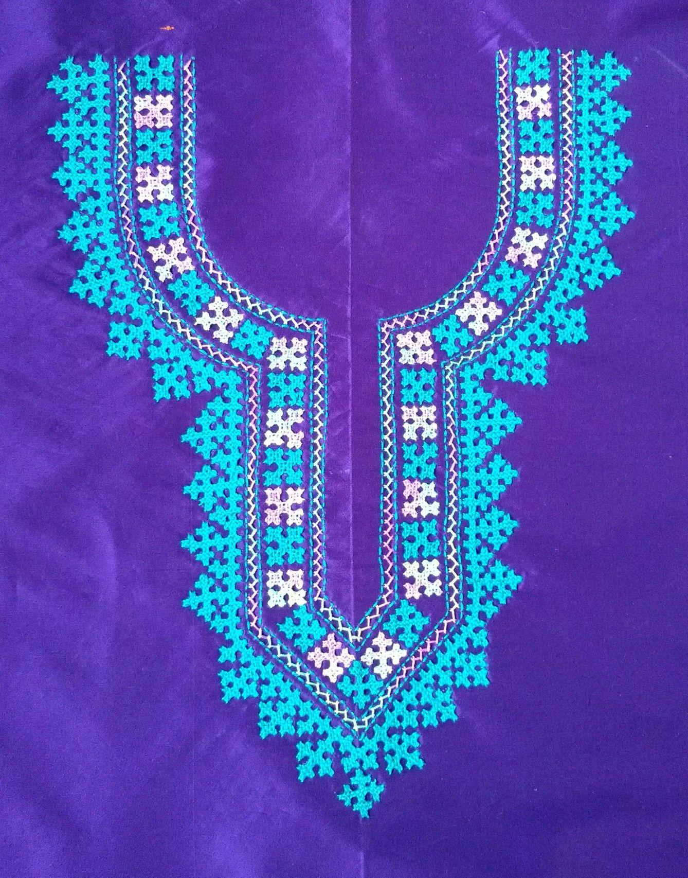 Pin By Lithium09 Lithium09 On Bordado Henna Designs Hand Kutch Work Designs Hand Embroidery Designs