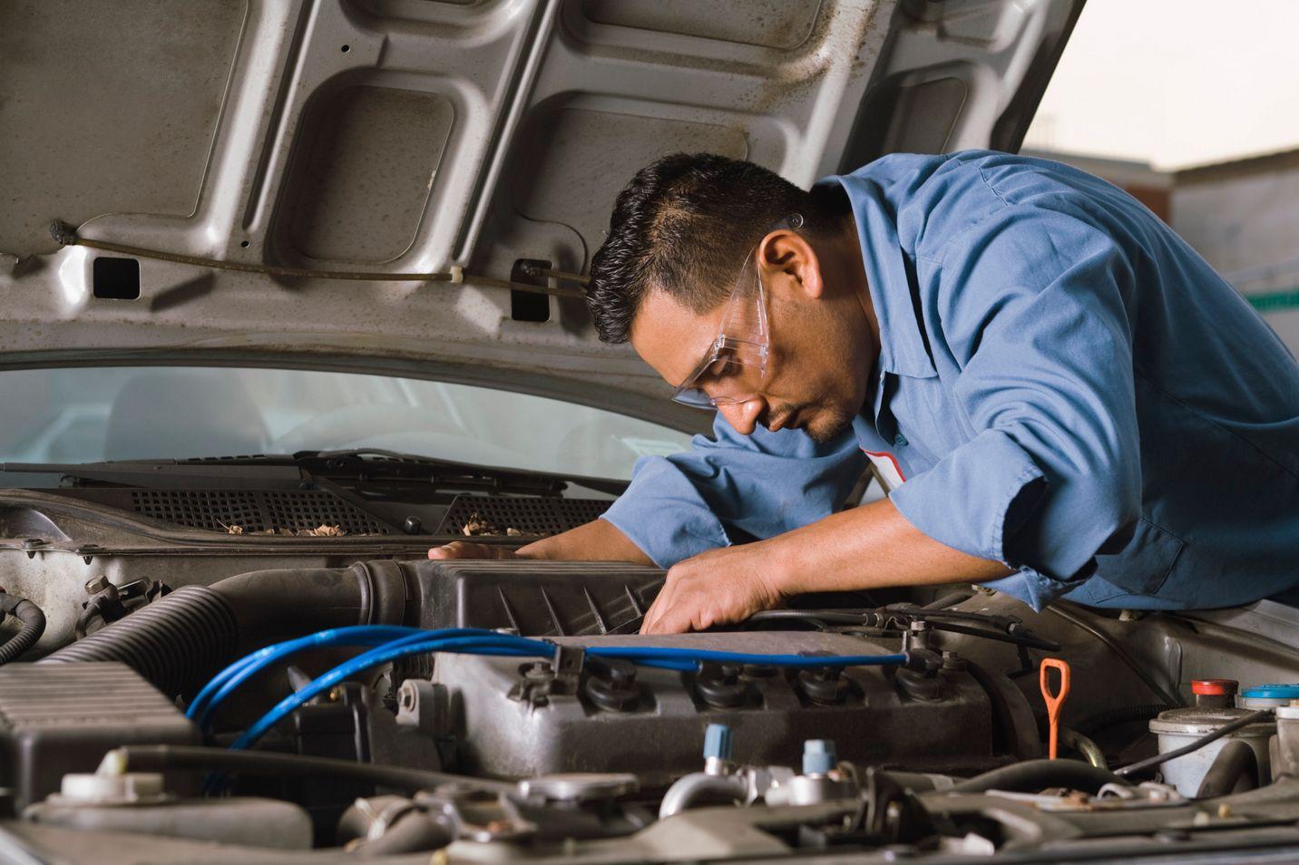 Transmission Repair Davenport Ia Car Repair Service Car