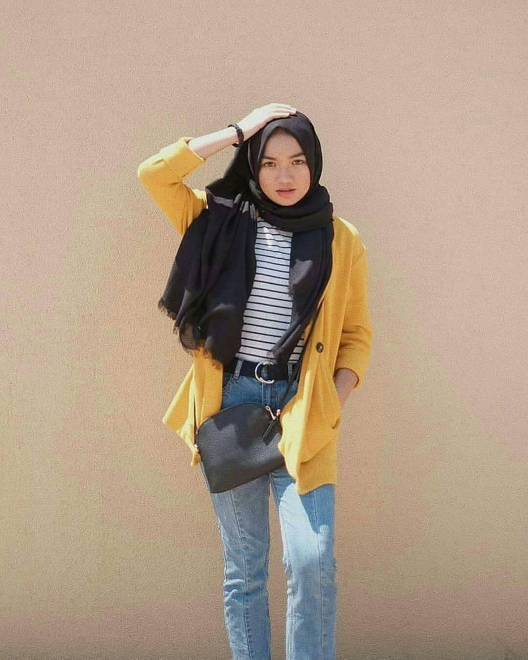Nadyaaisha Instagram Inspired Simple Outfit Hijab Cool From The Day And Of Onhijab Of The Day On In Hijab Style Casual Simple Outfits Hijab Casual