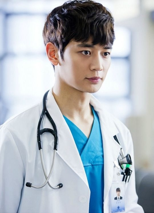Min Ho Medical Top Team Follows Two Weeks And Premieres In October On Mbc Shinee Minho Minho Shinee