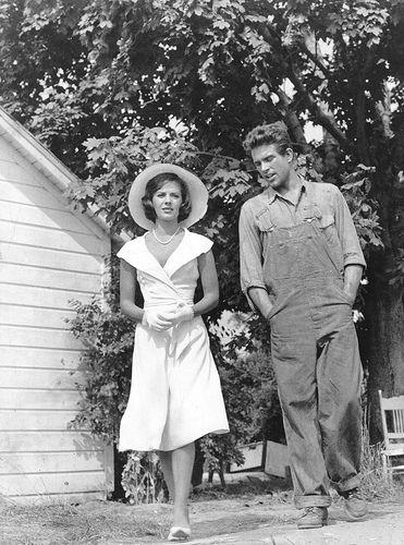 Natalie Wood and Warren Beatty, Splendor In The Grass ...  Natalie Wood an...