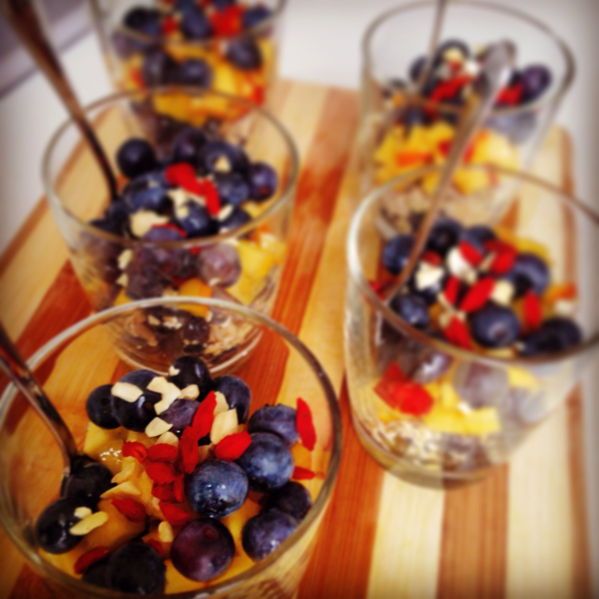 Day 12: snack blueberries, nectarine. oats, sunflower seeds, goji berries, cashew nuts, agave sirup