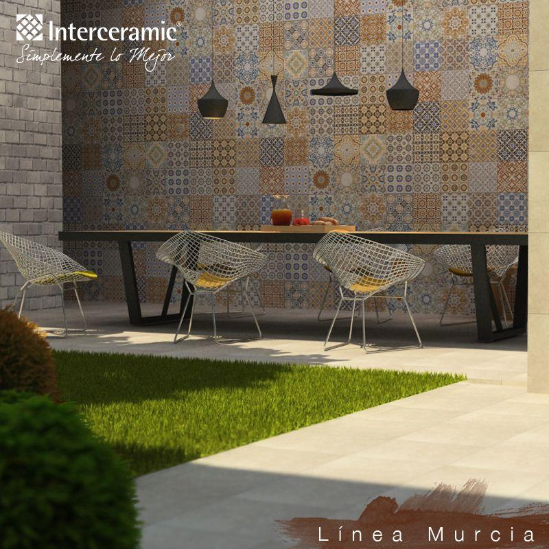 En tu terraza utiliza una pared como centro de atenci n for Pisos para terrazas y jardines