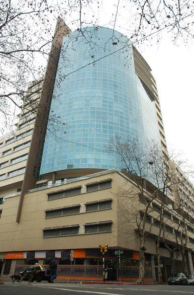 Edificio En Montevideo Torre De Los Profesionales Con Imagenes