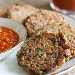 Red Lentil Patties with Spicy tomato