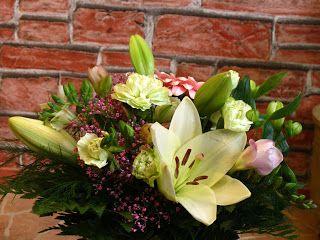 Kukkailua: Ystävänpäiväkimppu - Valentine`s day bouquet