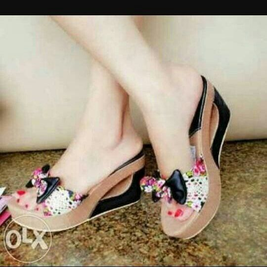 Sepatu Wedges Pita Brukat 90rb Ready Size 36 40 Bahan Semi Kulit