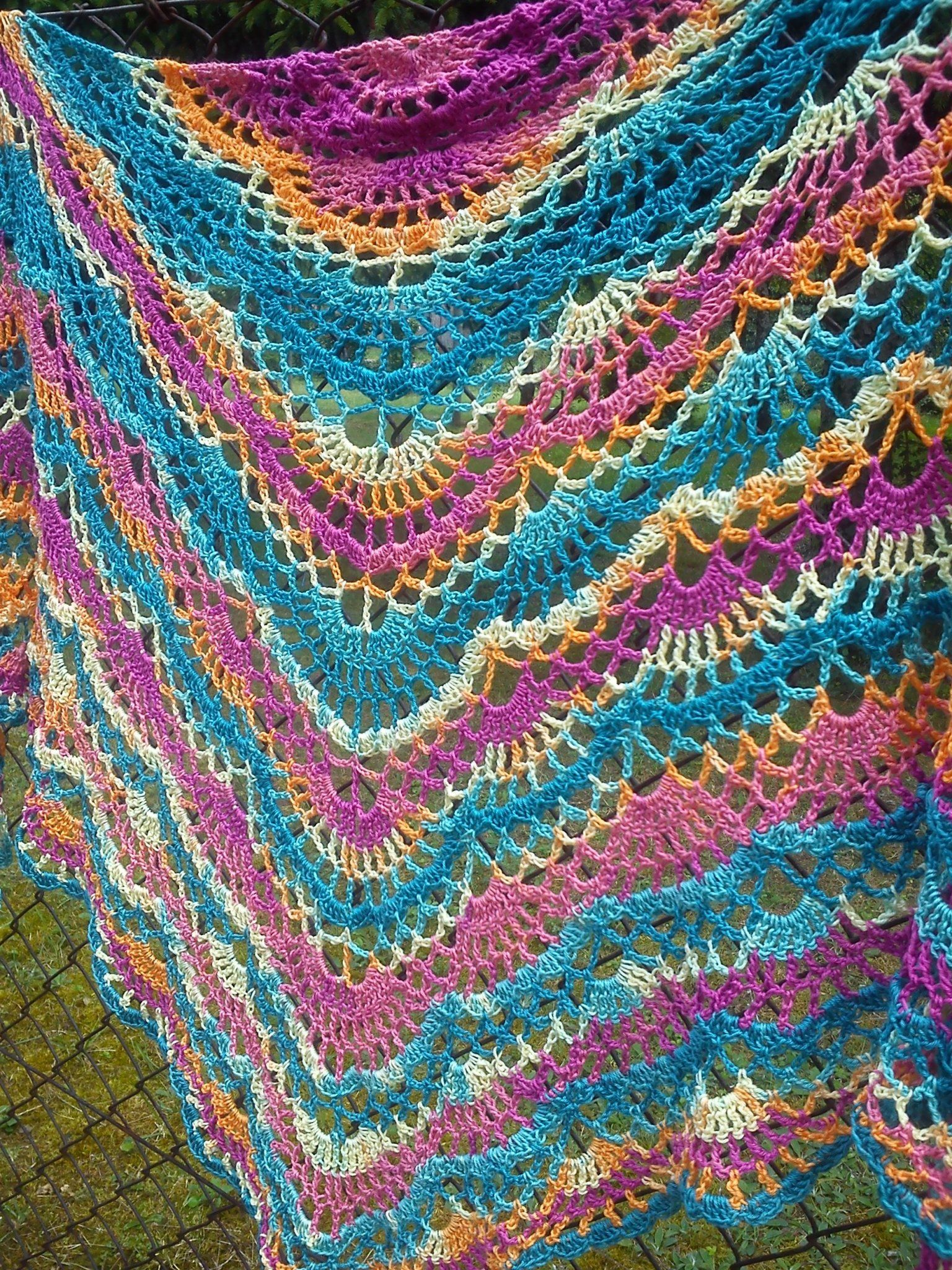 Lacy crochet shawl from variegated yarn with link to free pattern lacy crochet shawl from variegated yarn with link to free pattern bankloansurffo Image collections