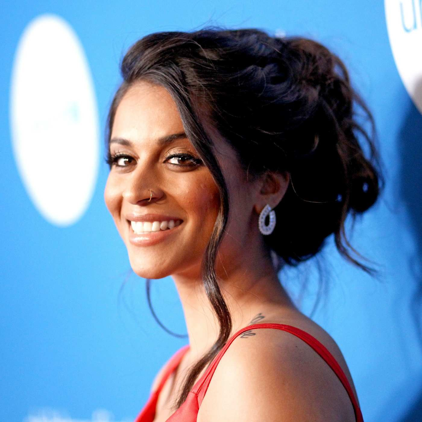 Here S What Lilly Singh Is Bringing To Nbc Lilly Singh Lily