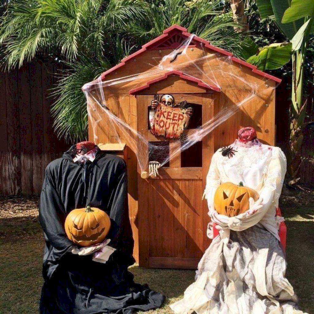 Affordable And Scary Outdoor Halloween Decor Diy Ideas 07 Gurudec Halloween Decorations Diy Outdoor Scary Halloween Decorations Outdoor Halloween Diy Outdoor