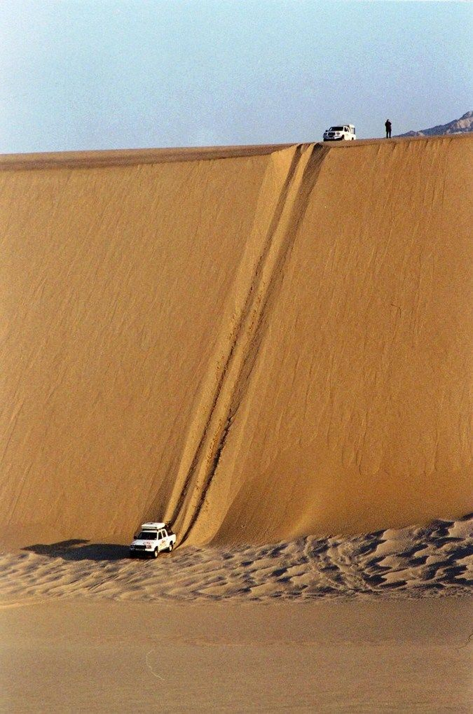 Chutes Victoria: Dune Bashing In The Middle East