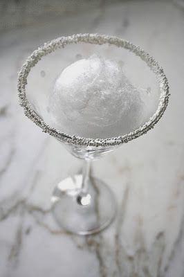 Snowball Martini Cocktail Recipe #recipe #snowball #martini #cocktail