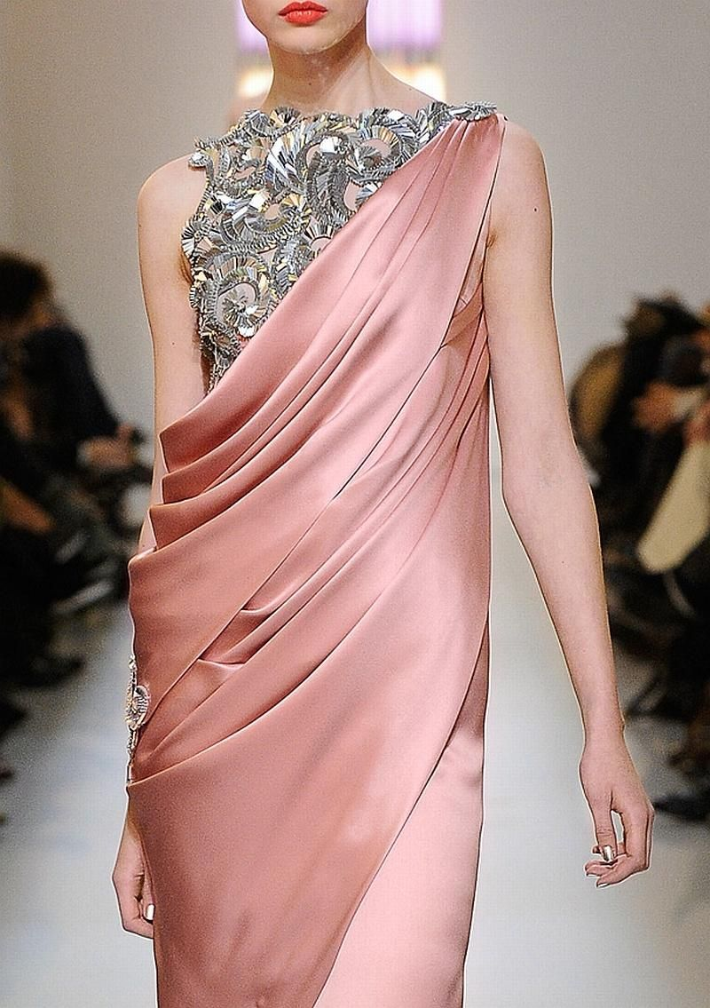 Chanel Haute Couture Spring 2010   The pleasures of admiring \