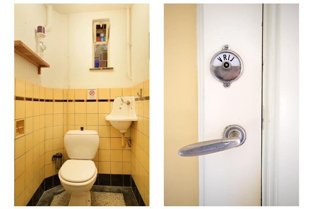 Jaren woningen toilet in jaren stijl met originele