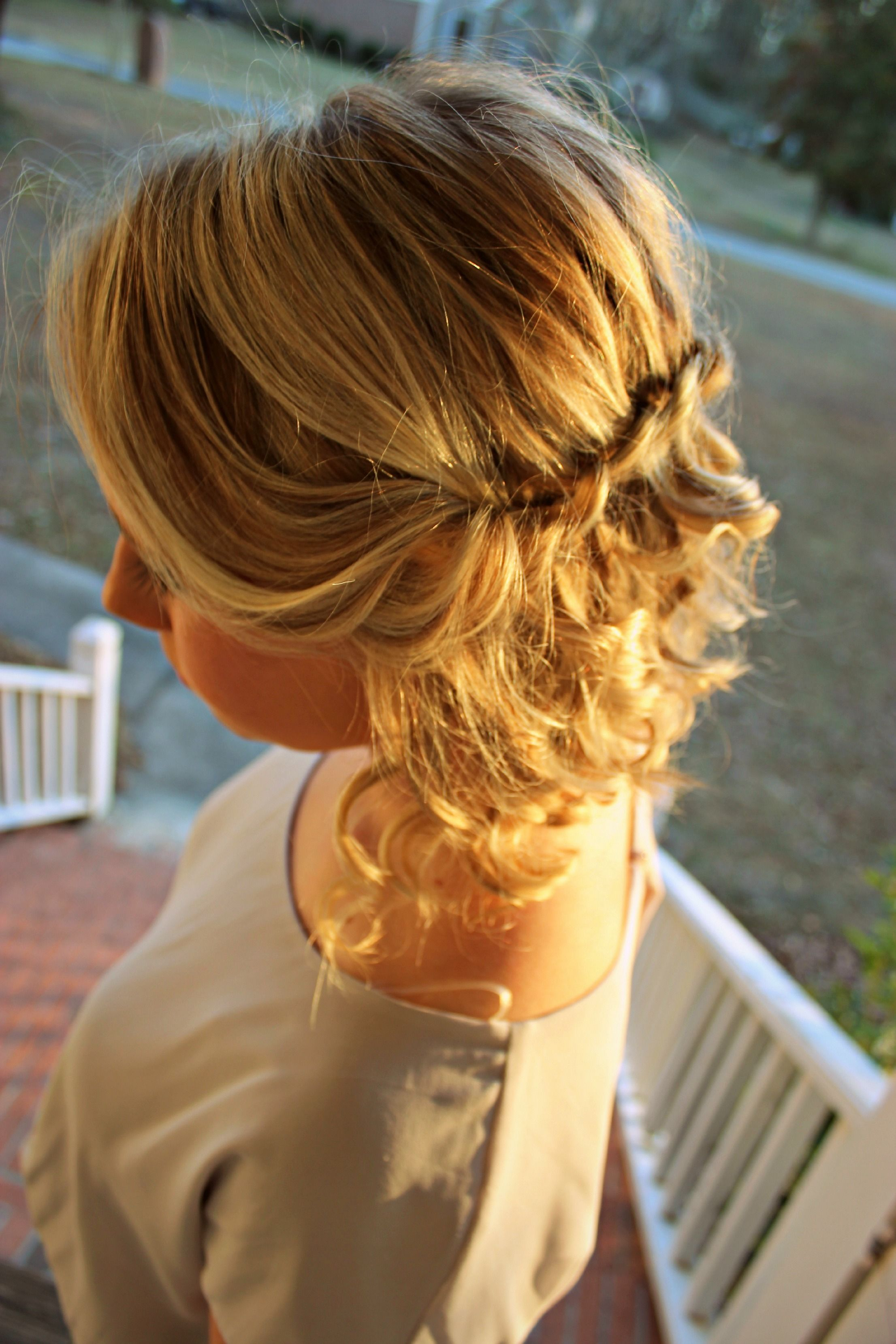 curls and twists. hair styles for short hair. love this! maybe for