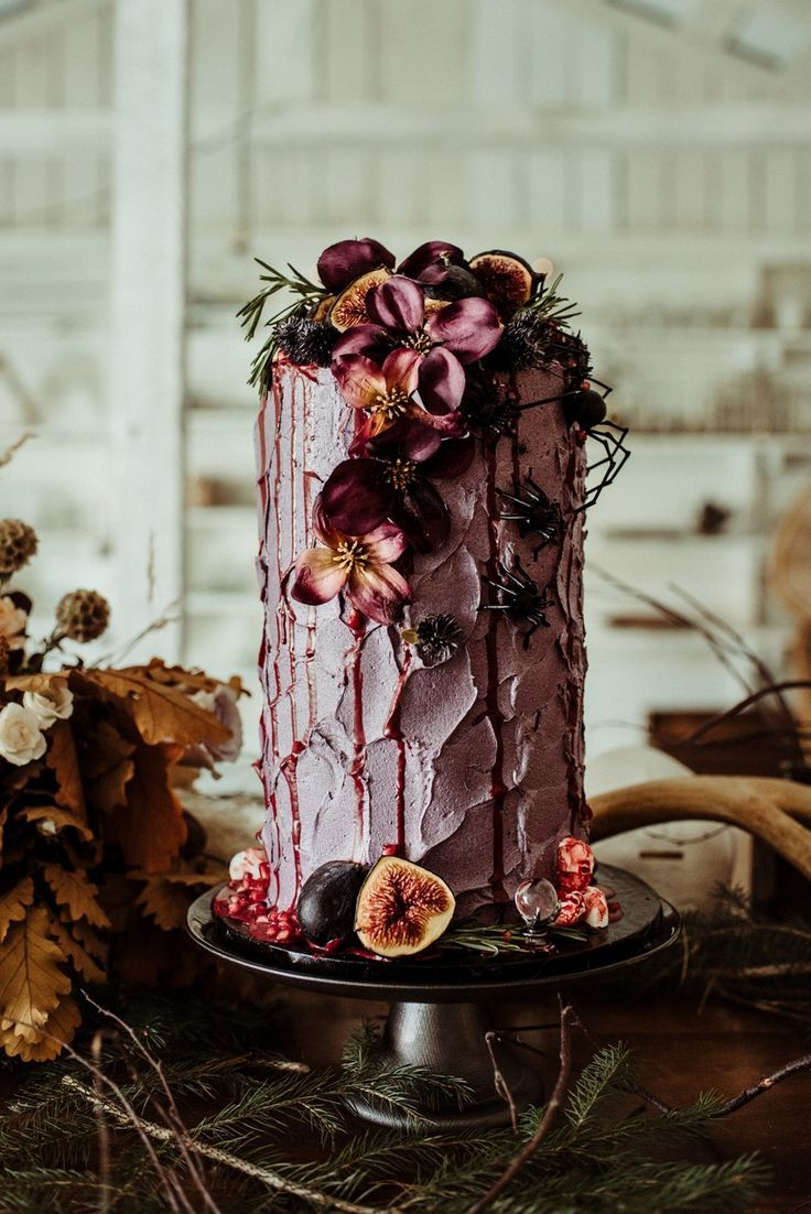 55 Beautiful Wedding Cakes for Every Venue