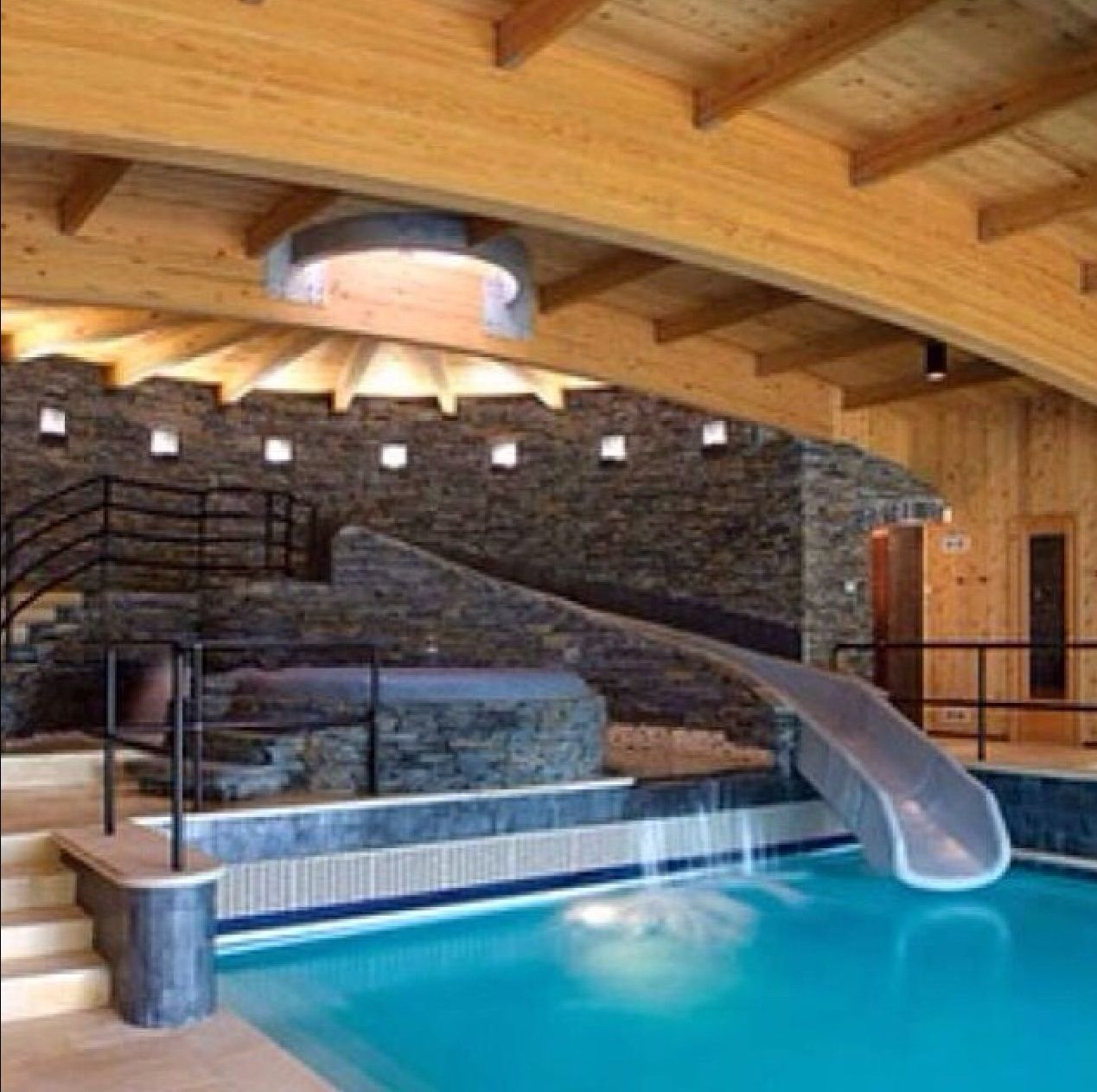 Cool Pool With Mattress To Relax On And Fun Pool Surrounded By Nice Blocks Pool Houses Dream House New England Homes