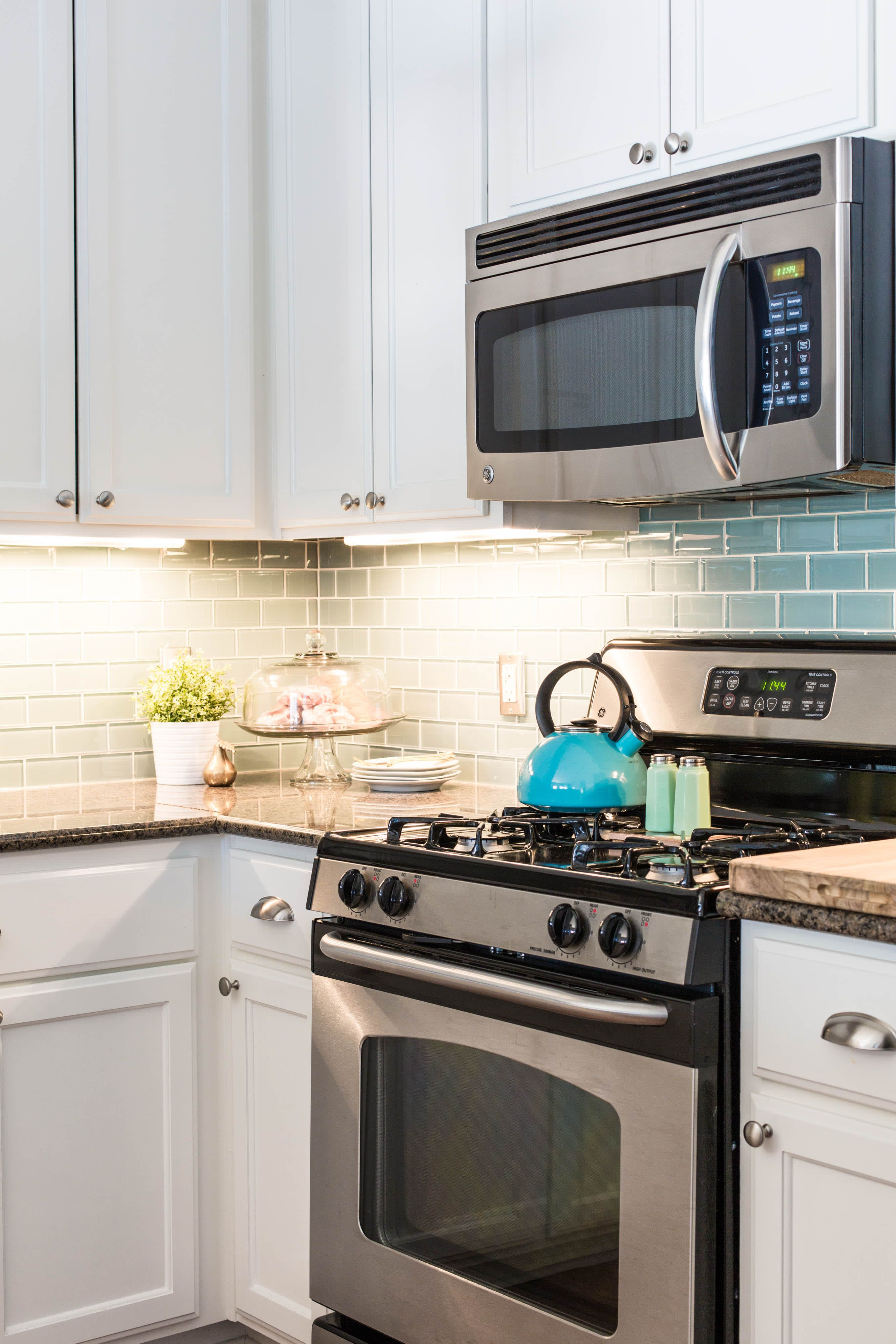 10 Brilliant Ways To Improve Your Rental Kitchen Rental Kitchen Kitchen Cabinets Tiny Kitchen
