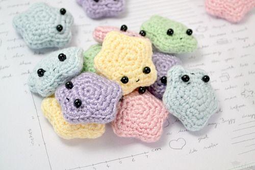 Amigurumi Stars - I'm pretty sure these are the cutest stars ever. #justsayin #freepattern #crochet