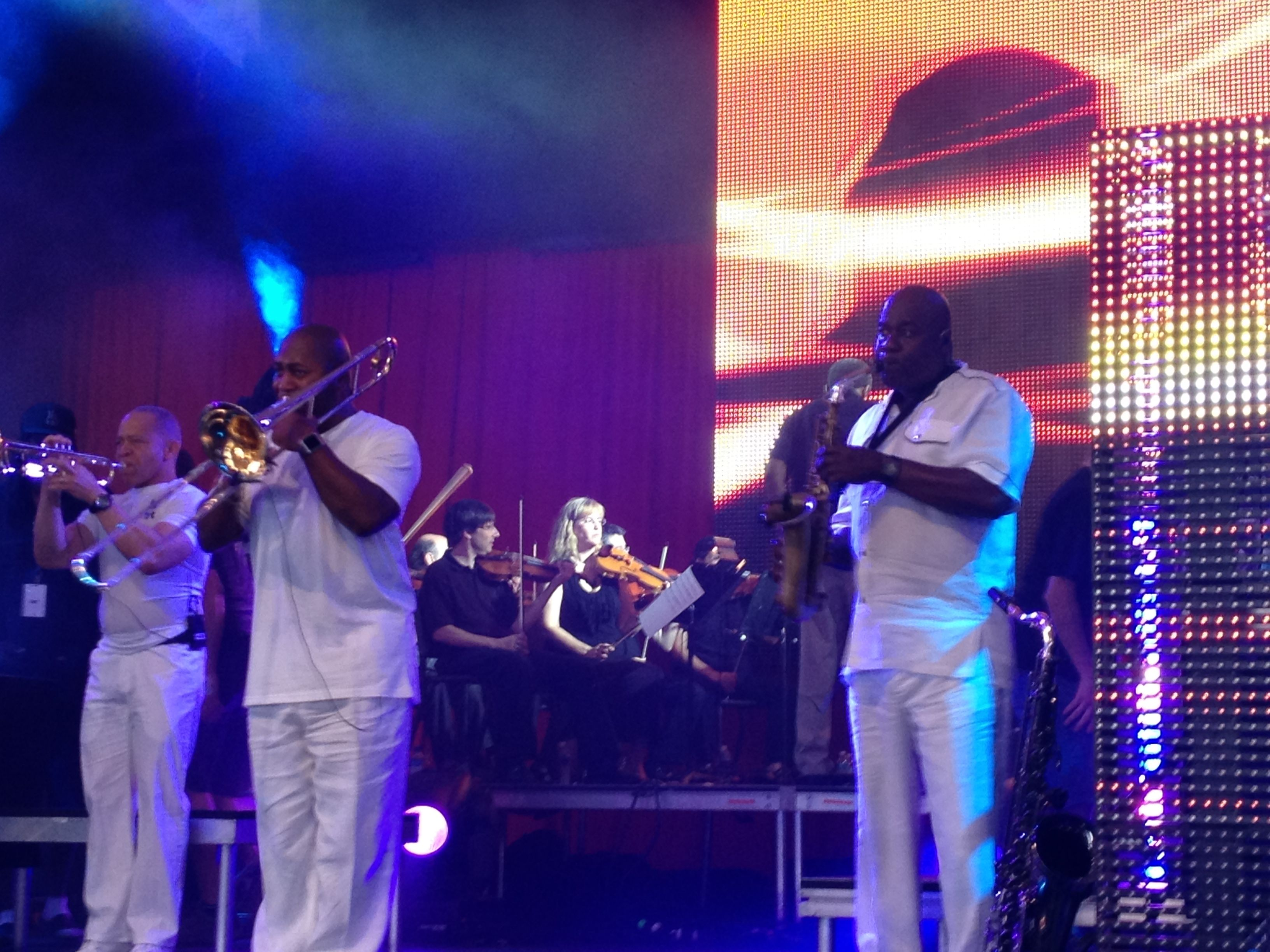 Earth, Wind & Fire with the ASO