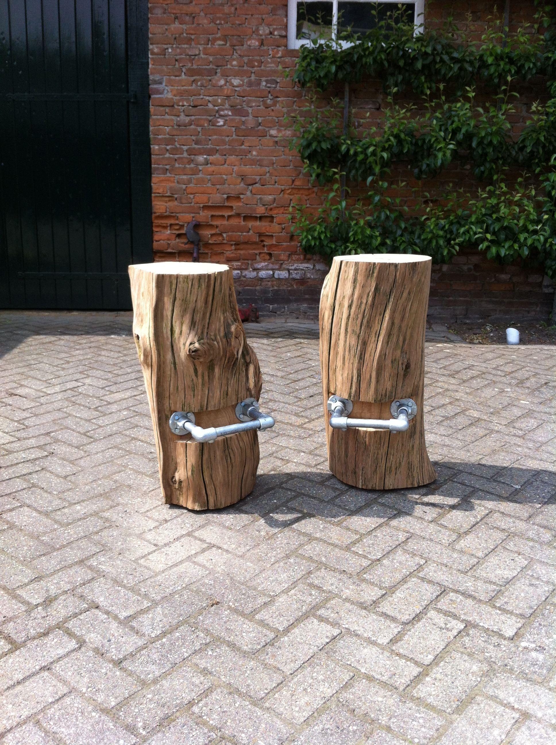 Log bar stools tHout Pinterest