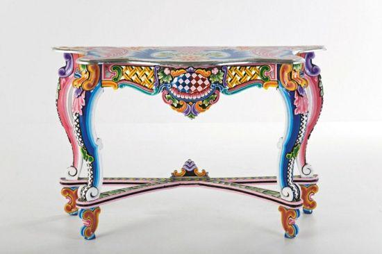 Bemalte Möbel mit romantischen Motiven für Zuhause Bemalte Möbel