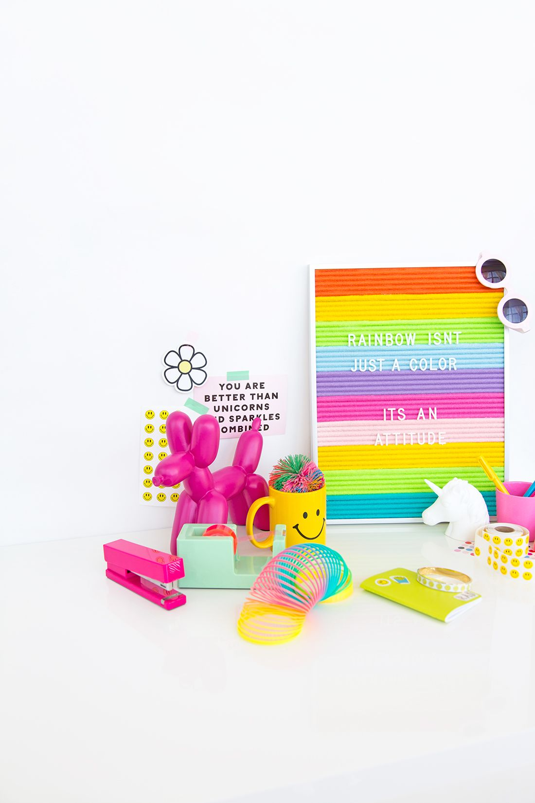 » DIY Rainbow Felt Letter Board